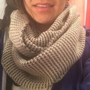 Knit JCREW Circle scarf